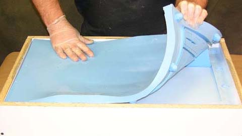 Venting a Silicone Mold to Eliminate Bubbles In Casting